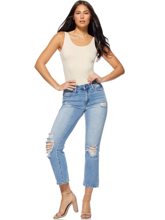 woman wearing sofia vergara jeans