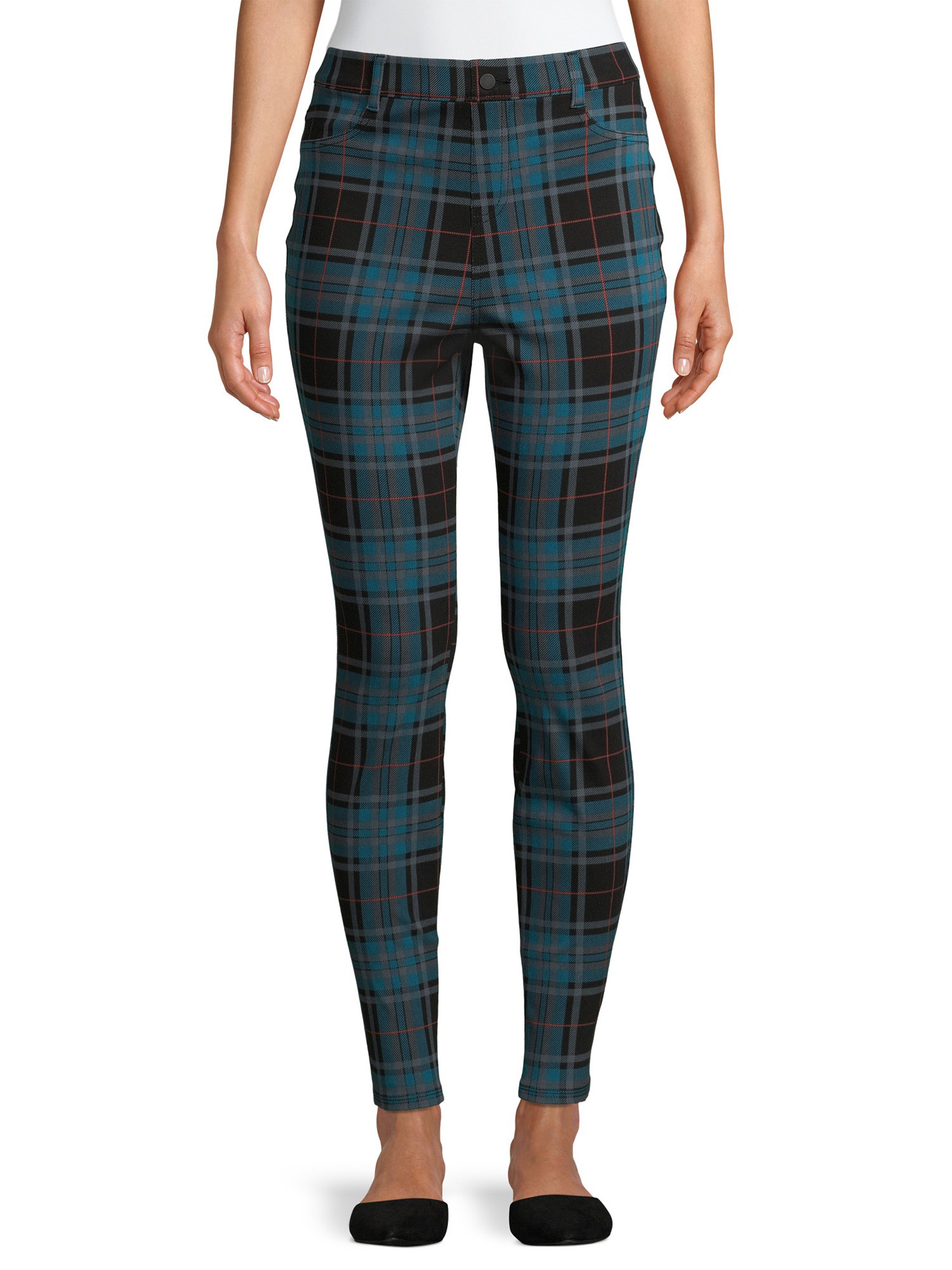 Model wearing plaid pants.