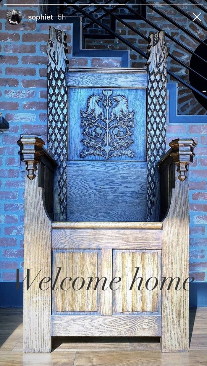 """The Stark throne, decorated with direwolves, with the caption """"Welcome home"""""""
