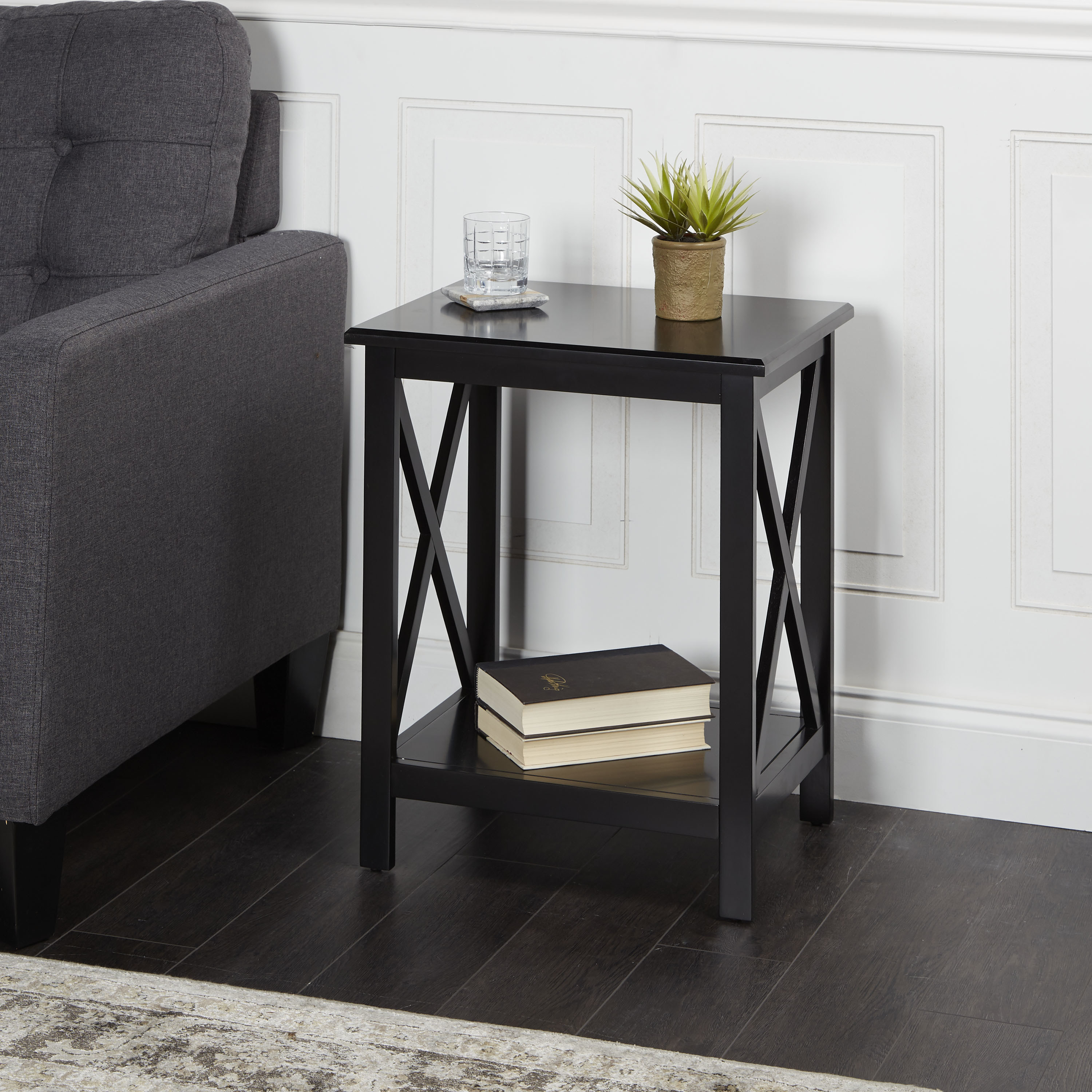 The black accent table