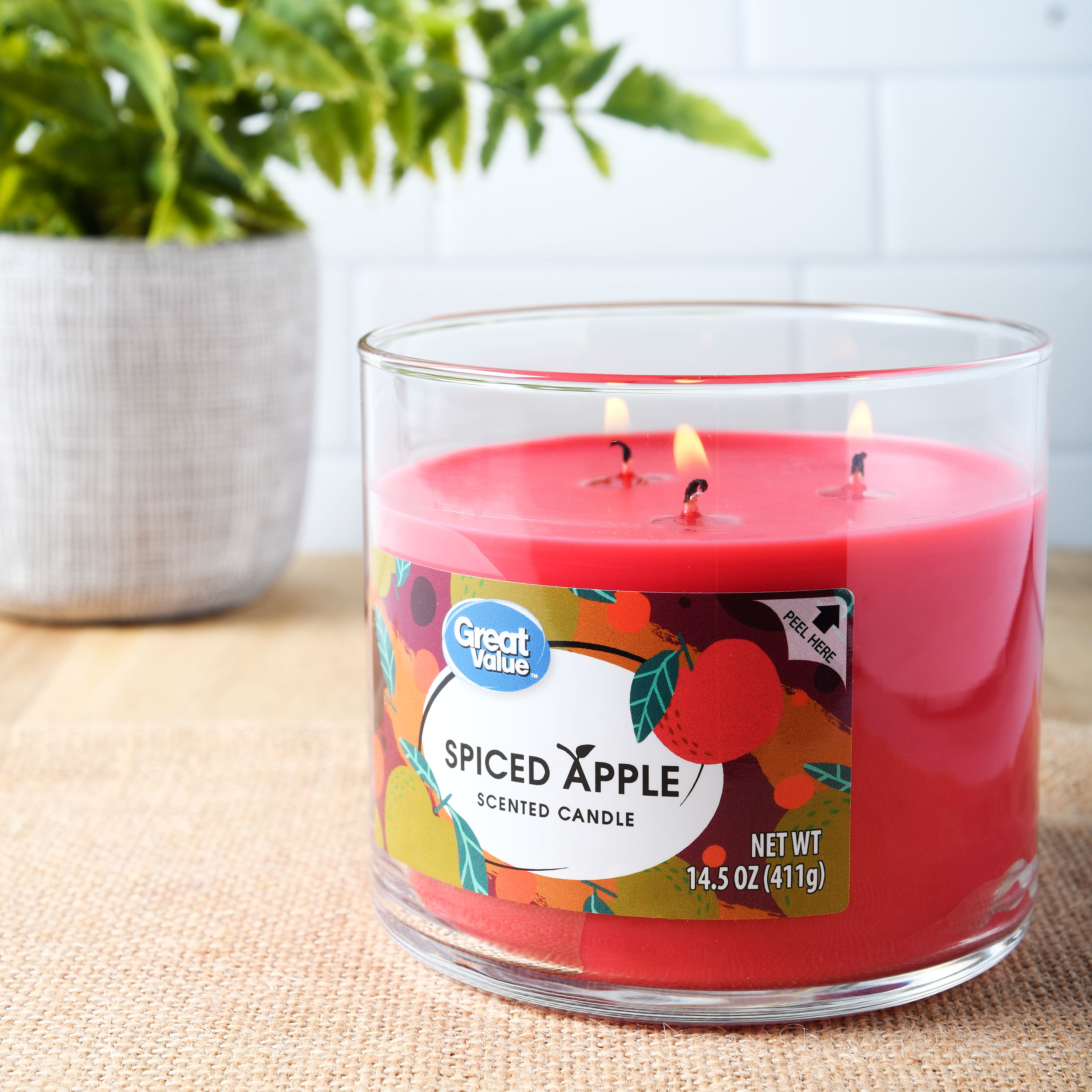 The red spiced apple candle