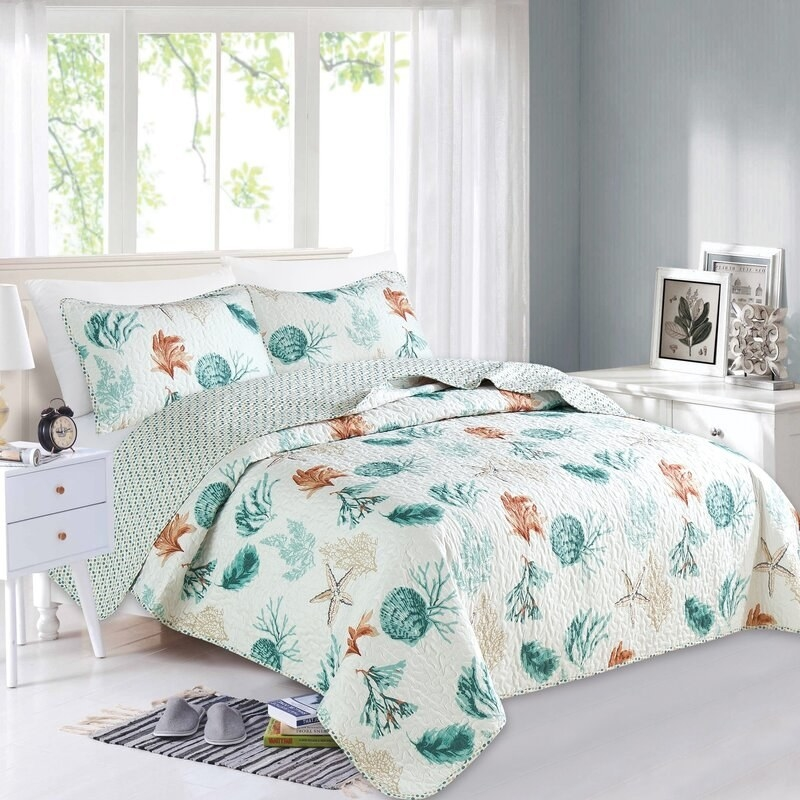 Highland Dunes Candis reversible quilt with blue and orange shells