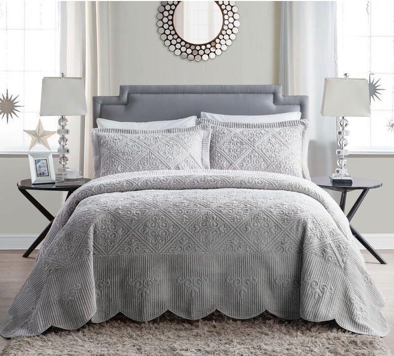 Greyleigh's Sharron set in a gray color
