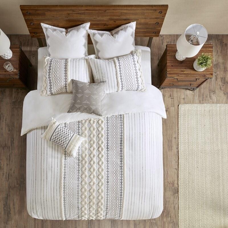 AllModern's Jenkinsburg comforter set with geometric detailing