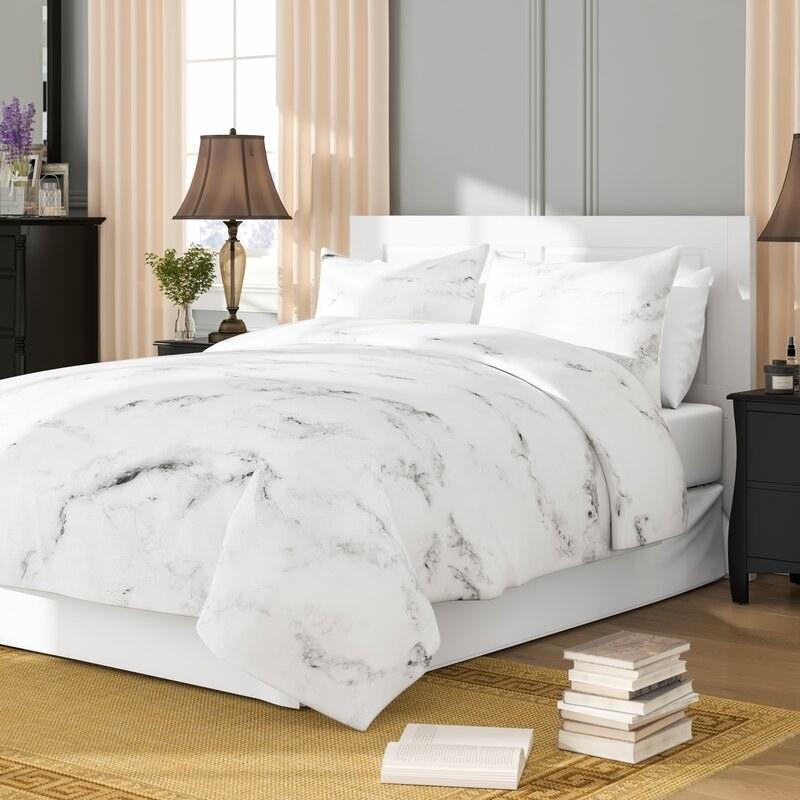 Sweet Jojo Design's marble comforter set