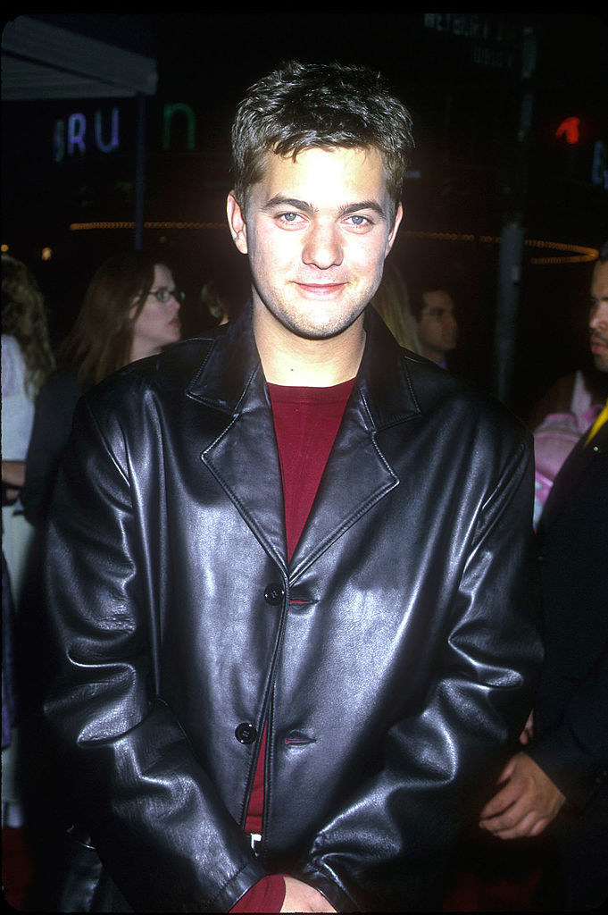A photo of Joshua Jackson at an event in 1999