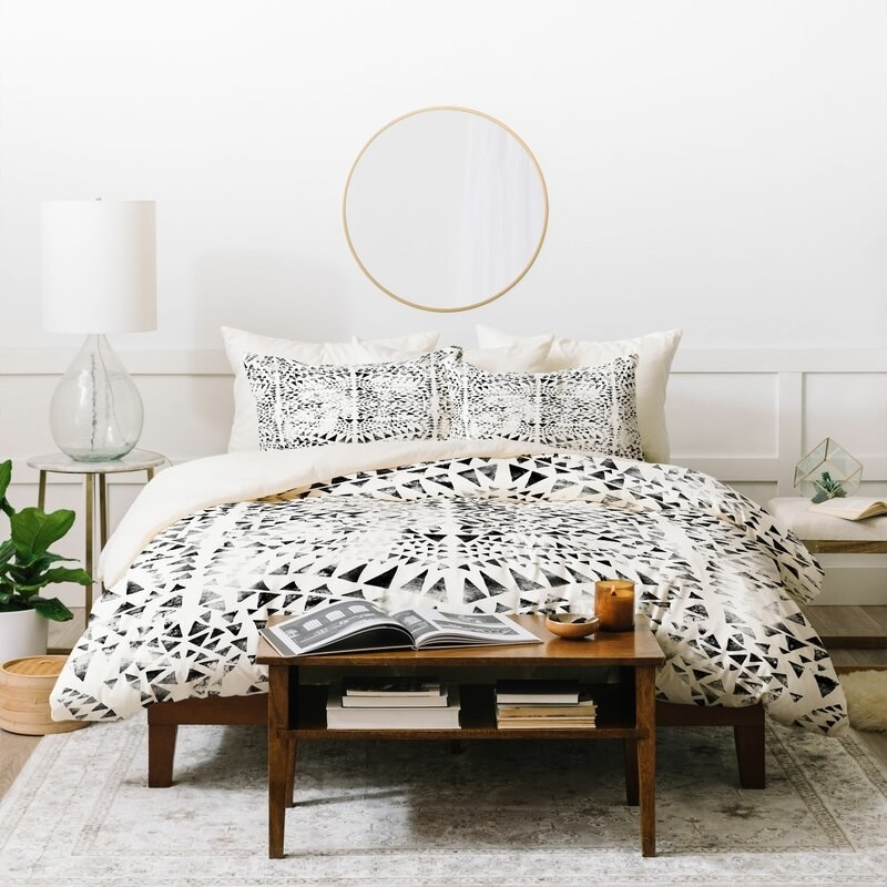 East Urban Home's duvet with a black triangle geometric design throughout
