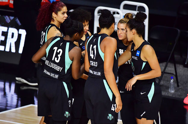 WNBA Players Called Off Their Games And Kneeled In Protest Of The Shooting Of Jacob Blake