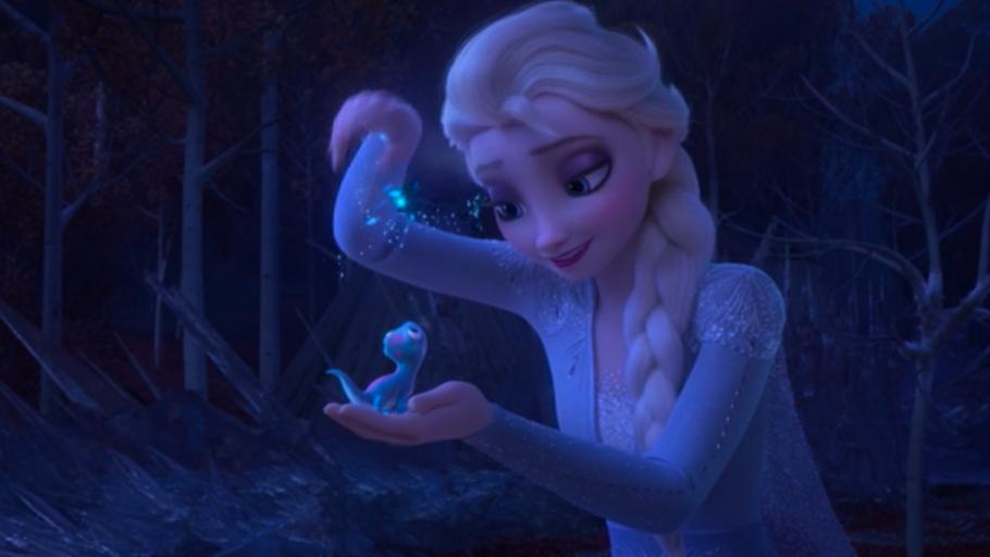 "Elsa holding Bruni in ""Frozen 2"""