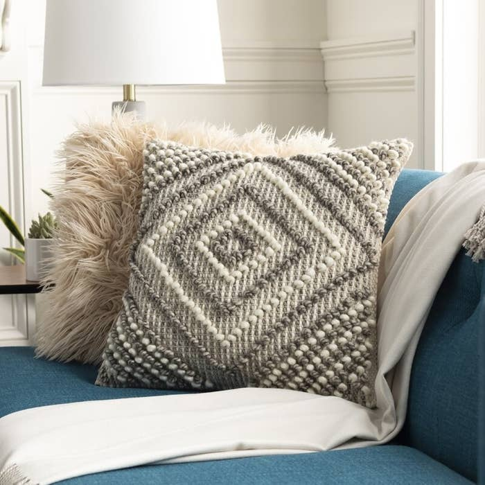 The throw pillow cover