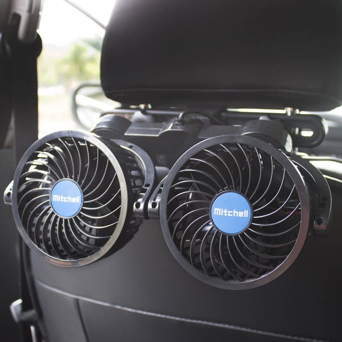 The dual fans, which wrap around the back of the headrest.