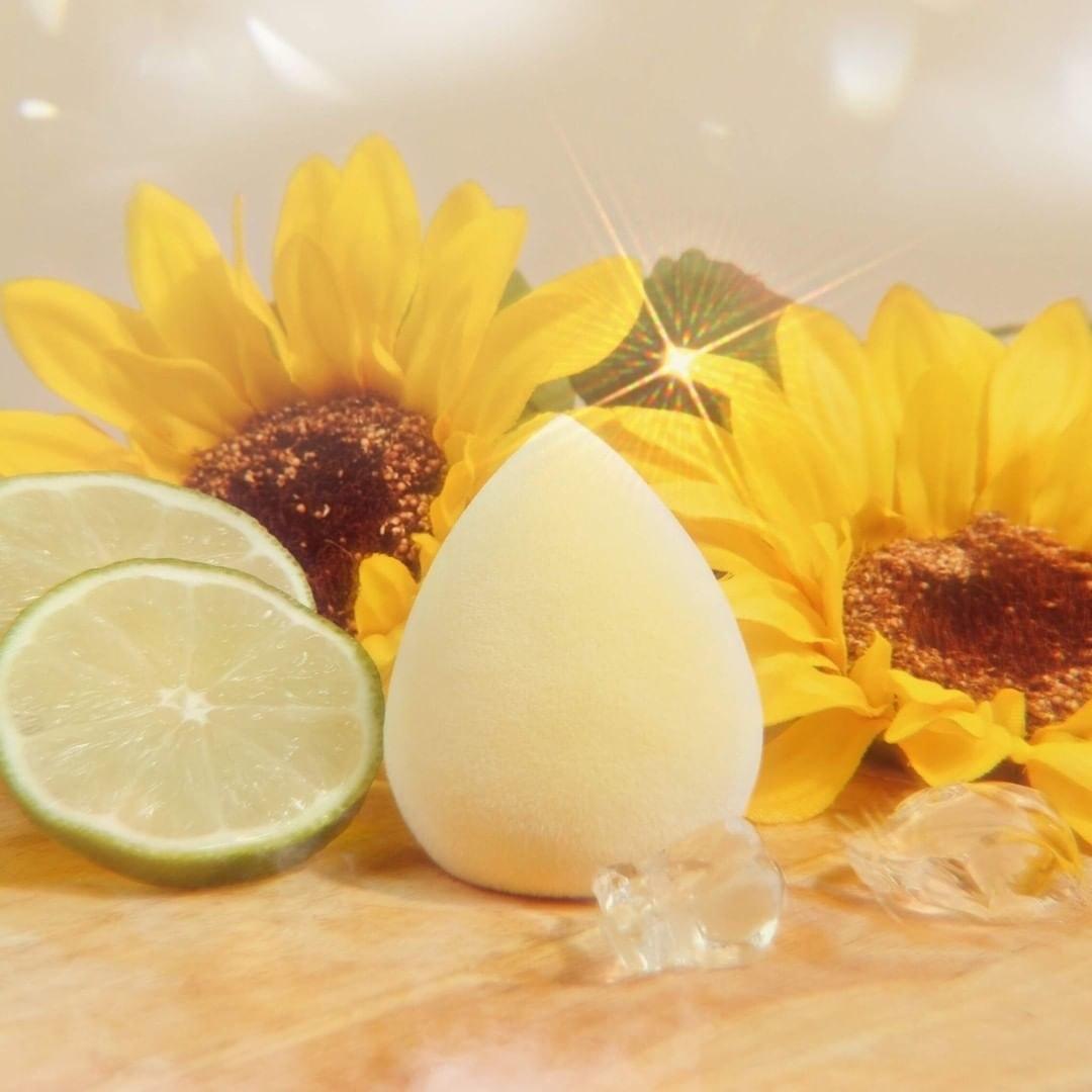 The yellow velvet makeup sponge