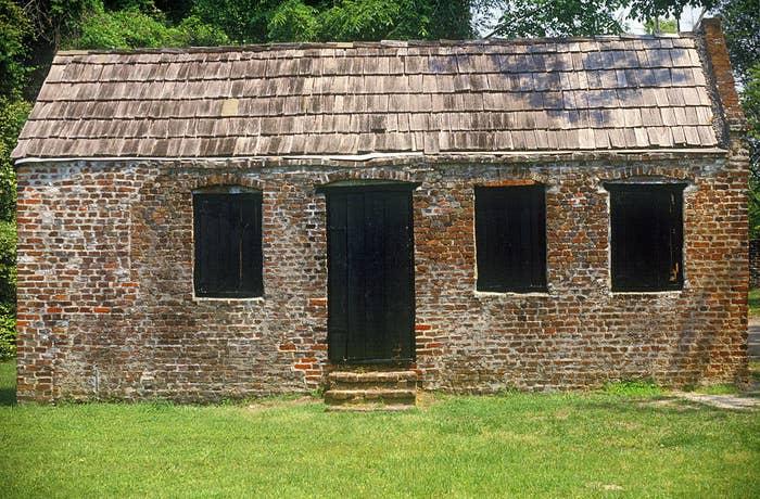 Slave cabin at Boone Hall