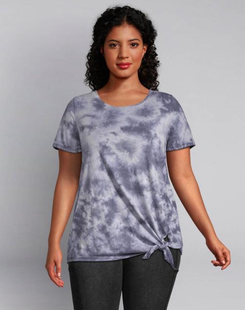 Model wears grey tie-dye workout tee shirt with dark gray leggings