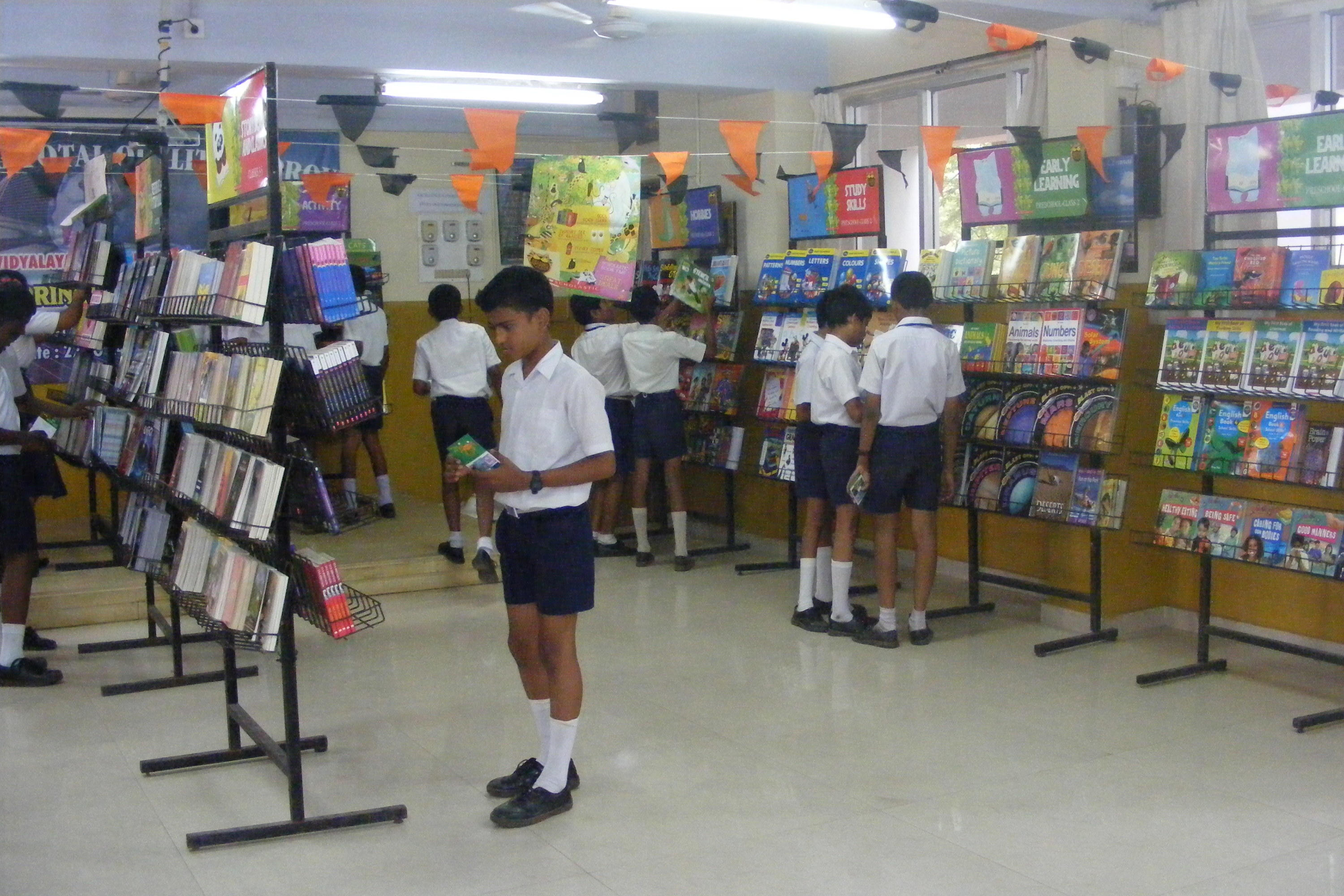 Image of a Scholastic Book Fair in an Indian school.
