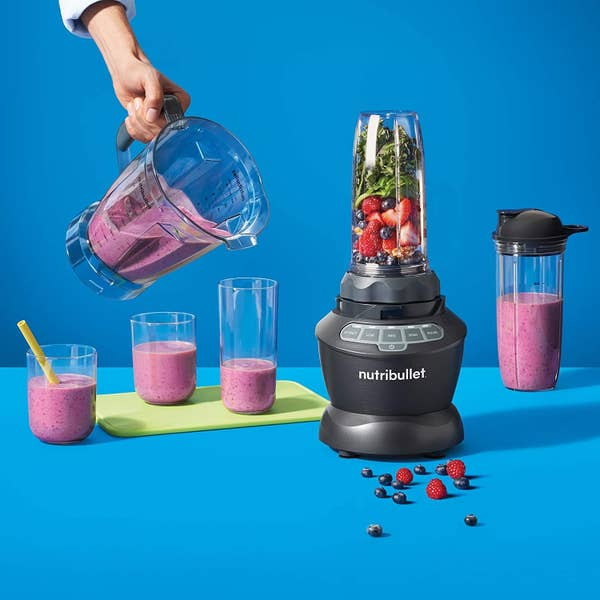 The blender set whipping up a smoothie