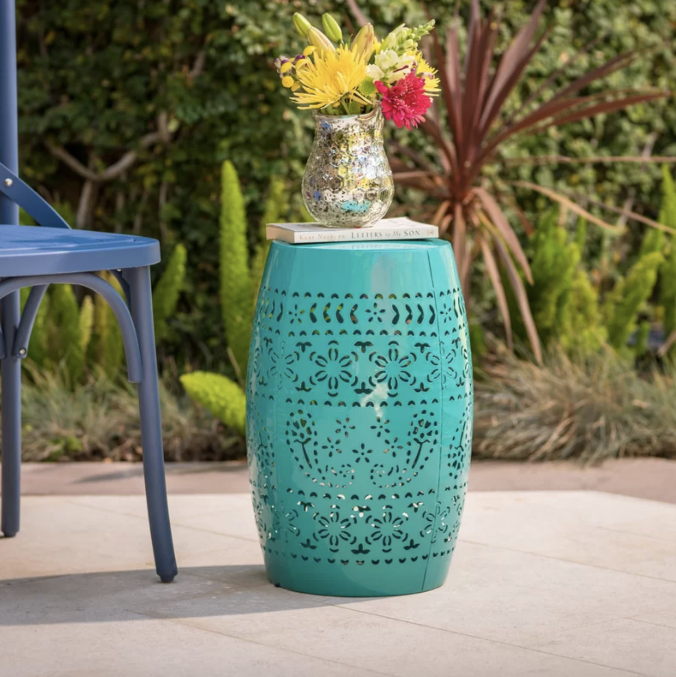 The side table in teal