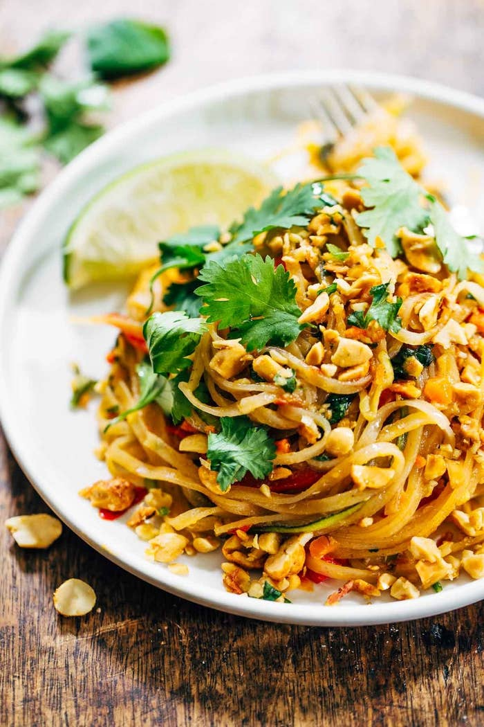 Image of a plate of vegetarian pad thai