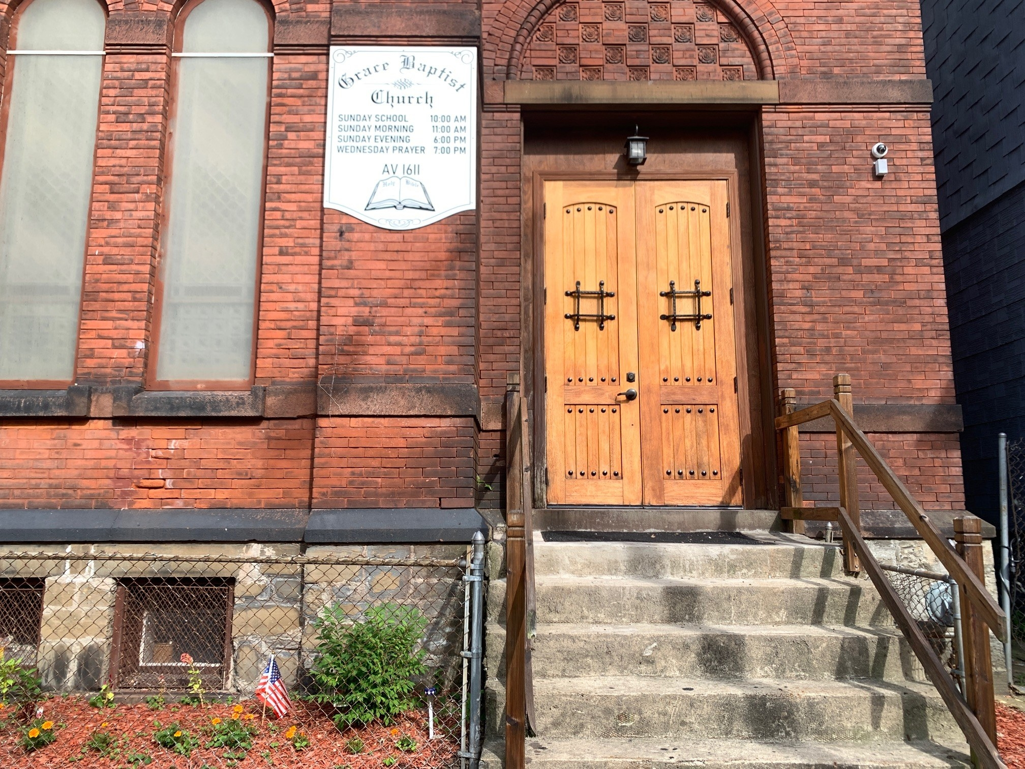 The doorway to Grace Baptist Church