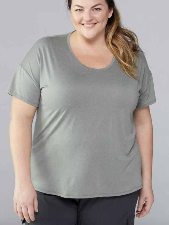 model in greyish green crew neck T-shirt