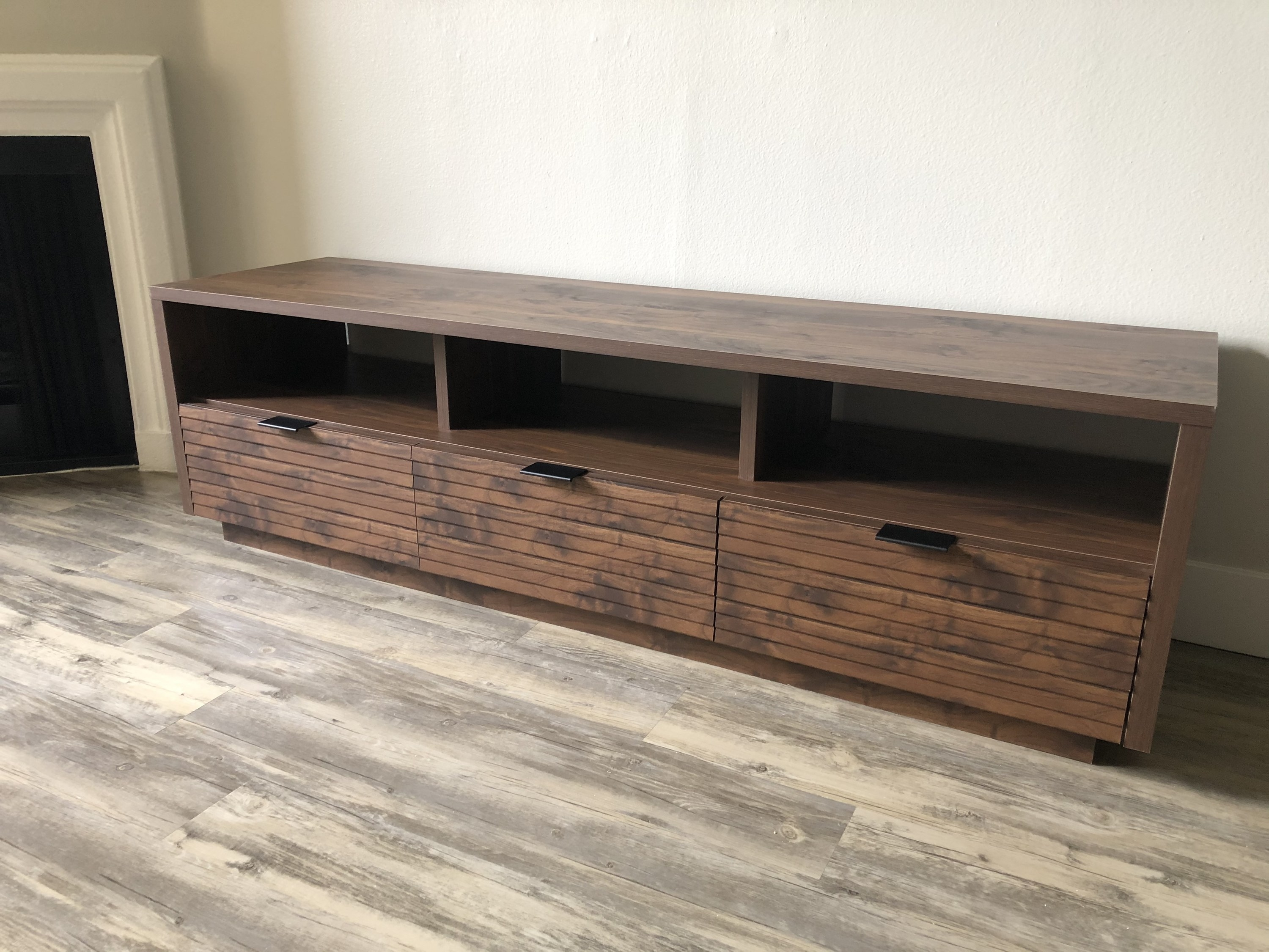 Photo of the completed TV stand