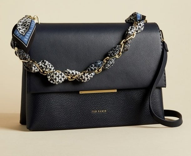 the navy leather chain shoulder bag