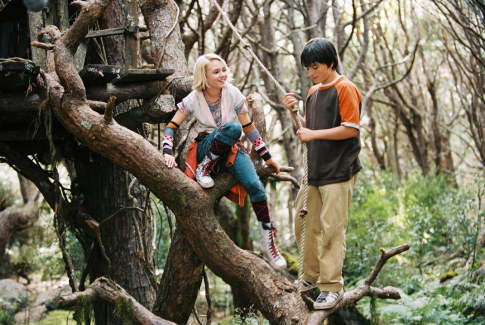 """Leslie and Jess hanging out in their """"castle"""" while in the woods"""