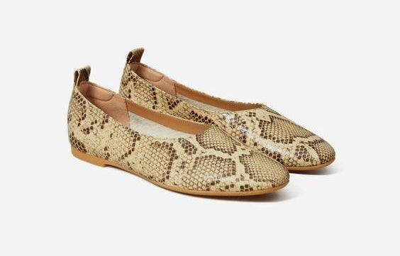 The rounded flats in snakeskin