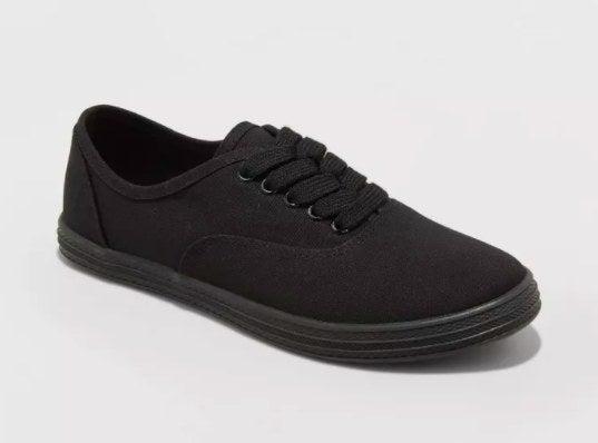 The black sneaker