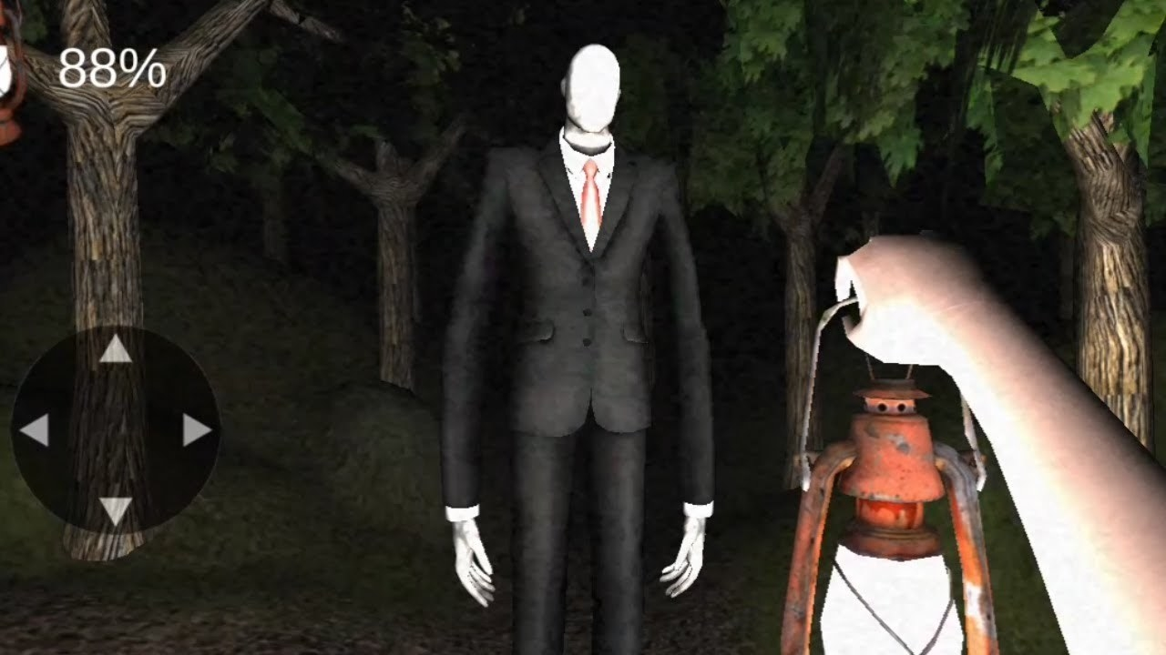 An unlucky player runs into Slenderman in the middle of a dark forest