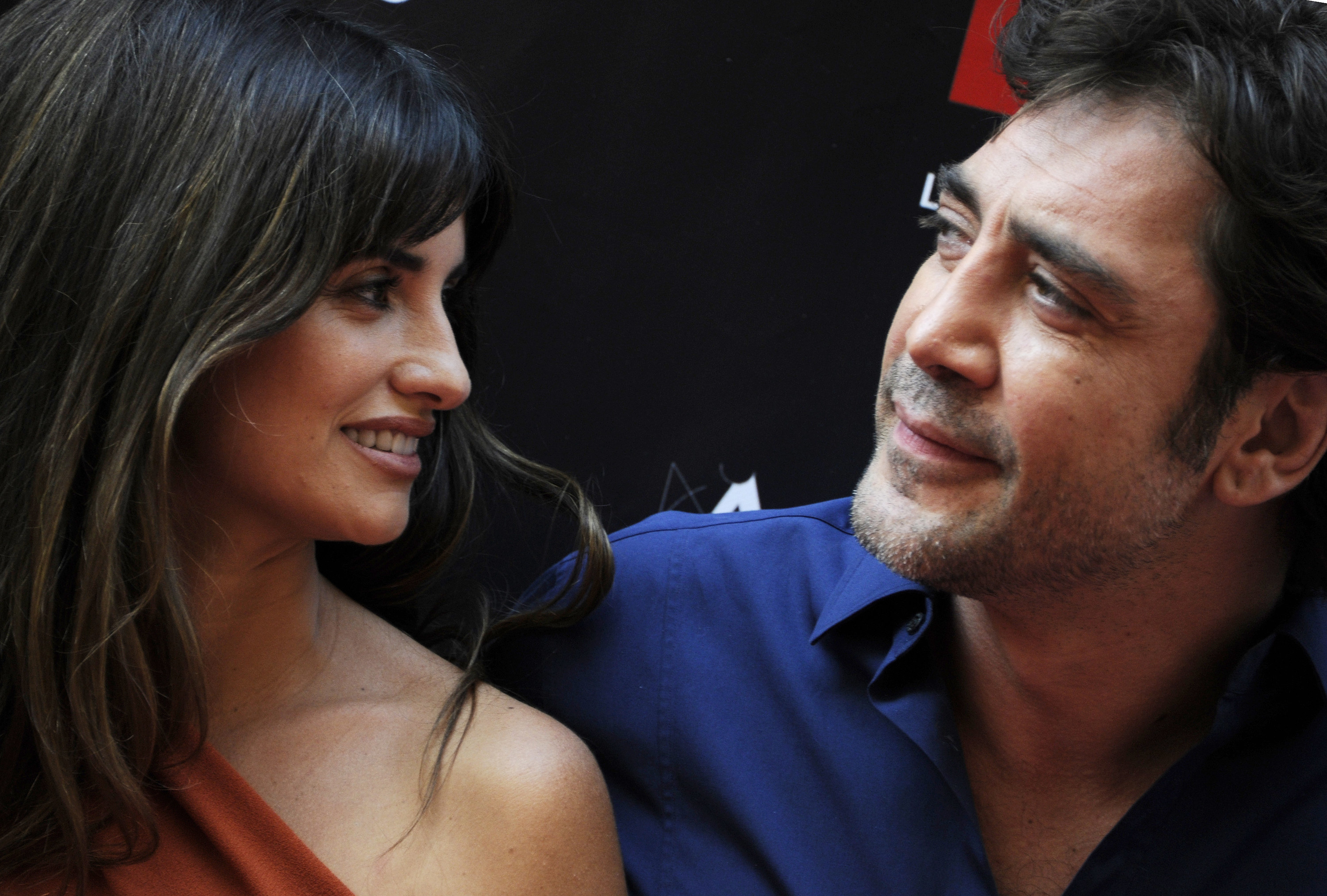 A photo of Penelope Cruz gazing at Javier Bardem