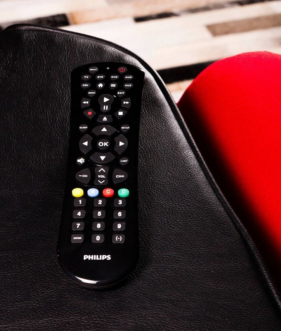 The universal remote with streaming