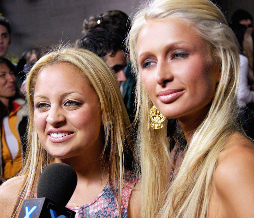 Paris Hilton and Nicole Richie with non existent eyebrows