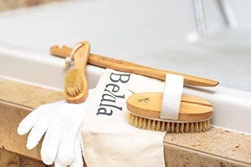 小刷子,手刷,去角质手套和延伸手柄