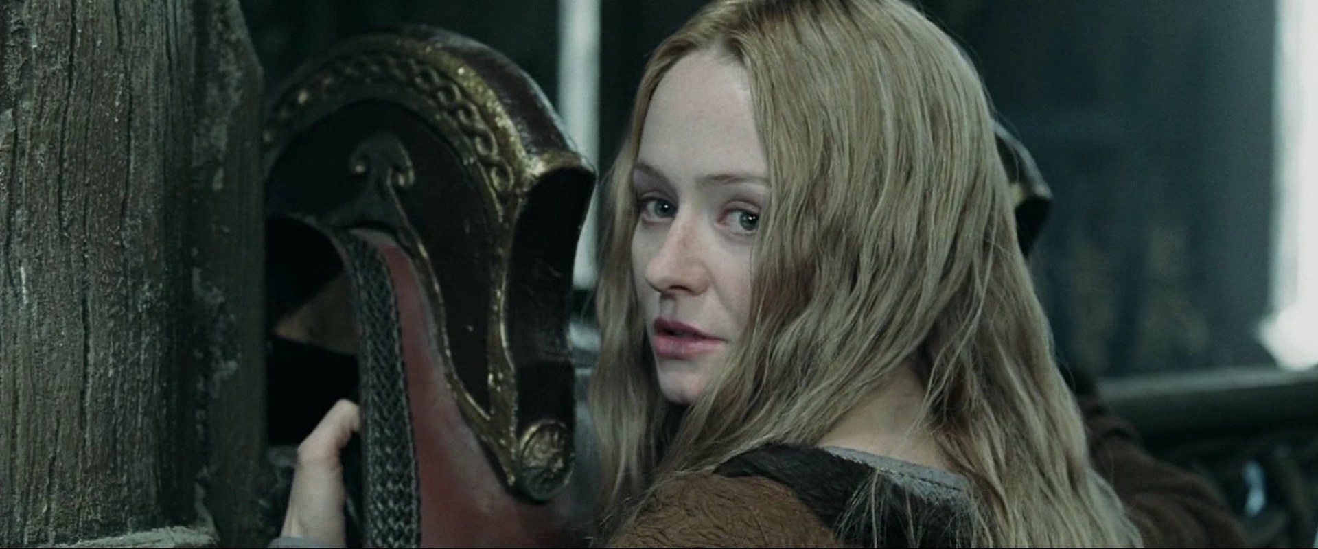 A close up of Éowyn