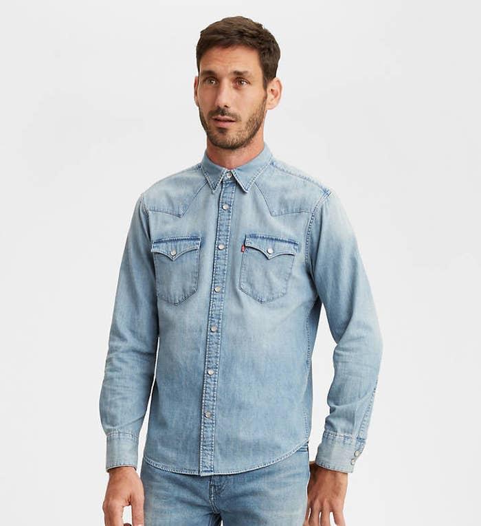 Model wearing Levi's barstow western shirt