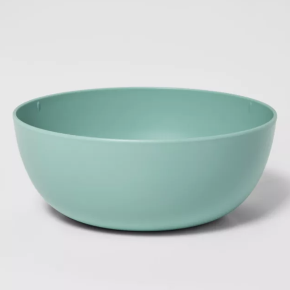 Curved plastic cereal bowl