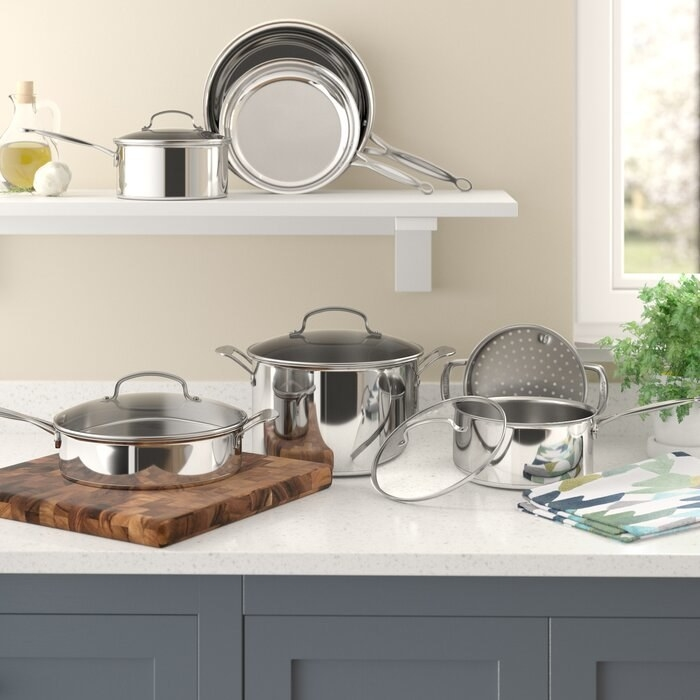 The silver cookware set