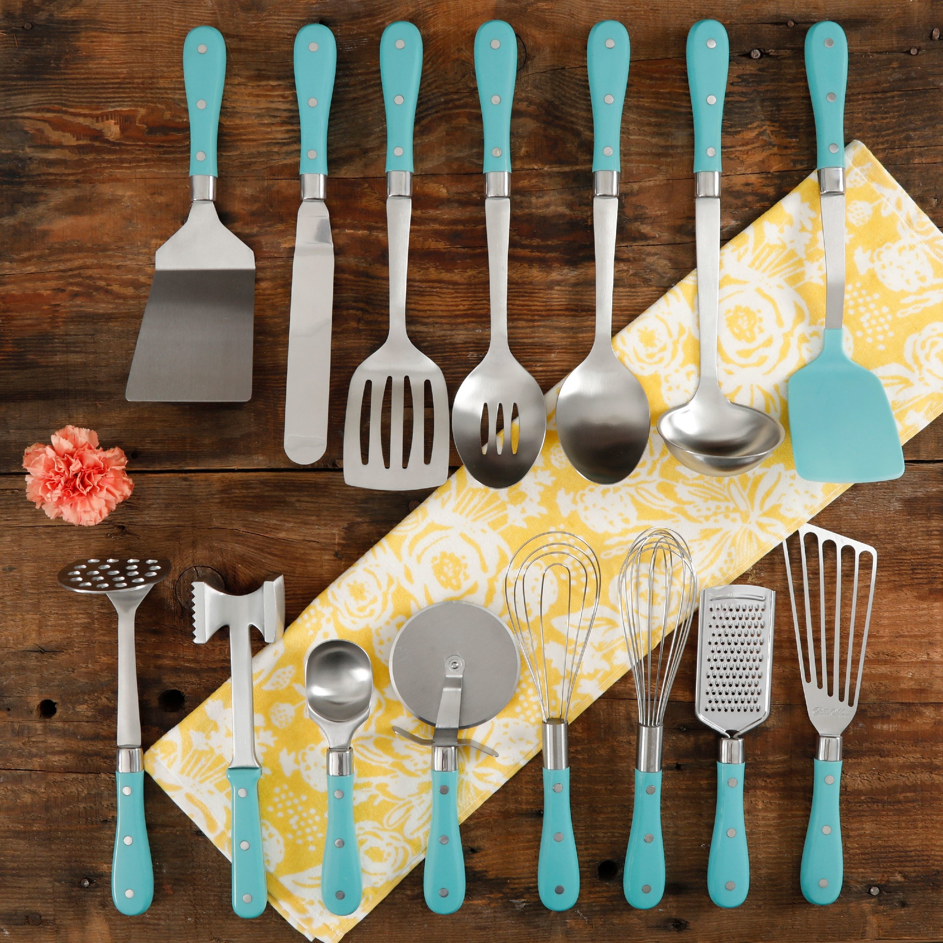 All 15 tools and gadgets with turquoise handles