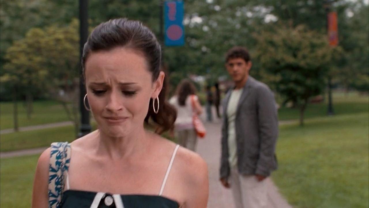 Lena walks away from Kostos