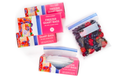 quart freezer bags with berries in one