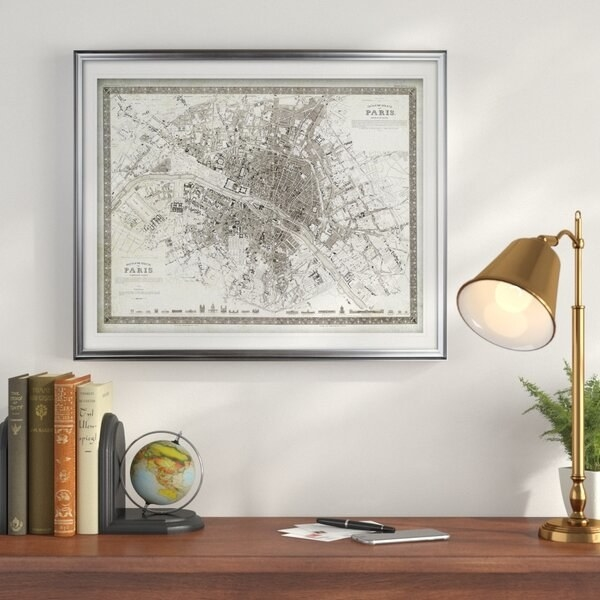Black and white sketch map of Paris