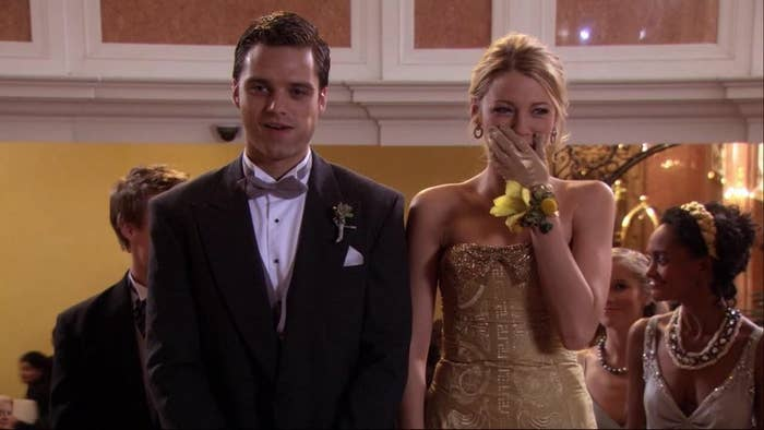 Carter and Serena arriving at her debutante ball.