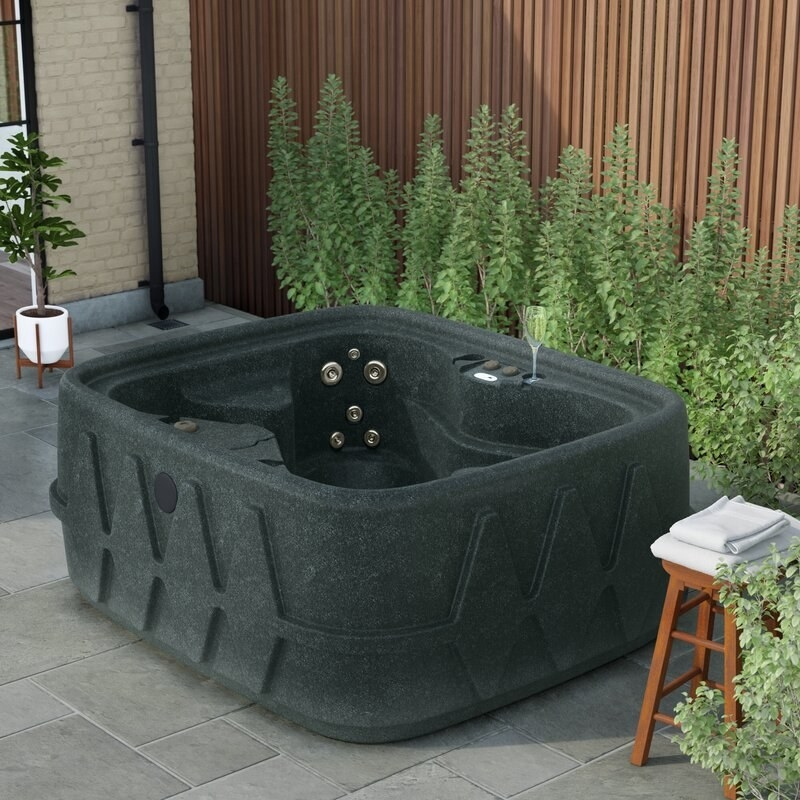 The square hot tub
