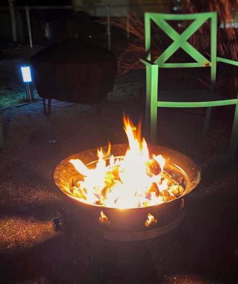 review image of the fire pit