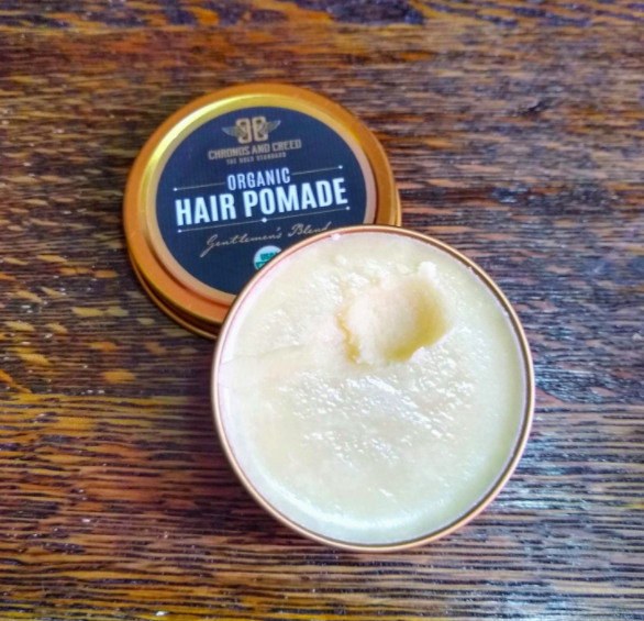 a reviewer's photo of the open pomemade showing a creamy texture