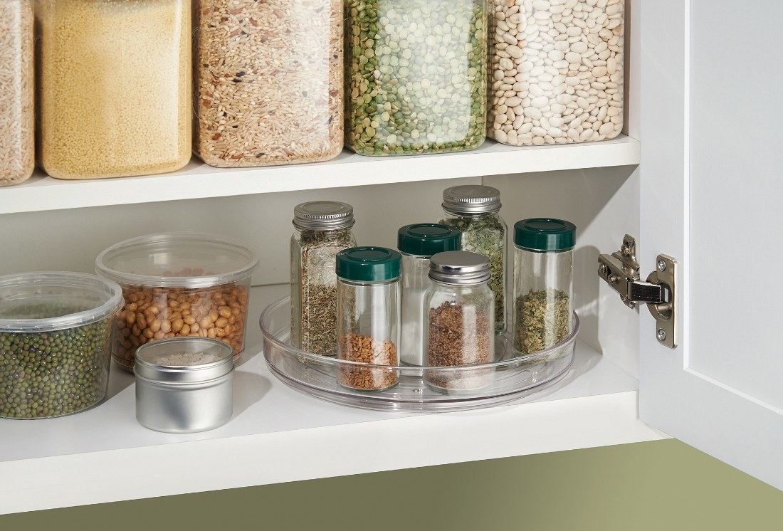 The organizer being used to hold herbs and spices