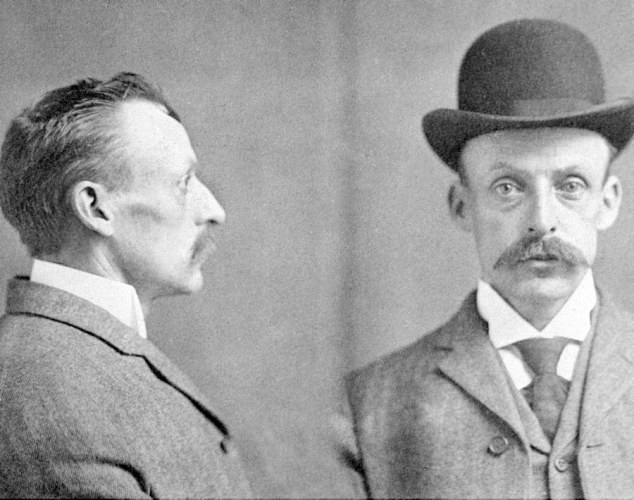 Side-by-side mugshot of Albert Fish.