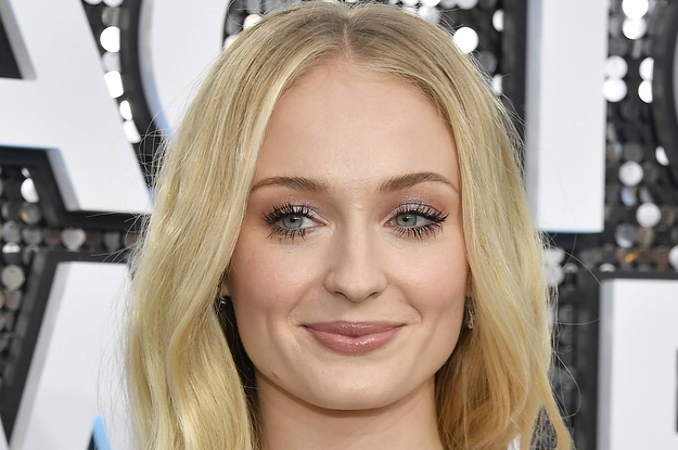 Sophie Turner Just Shared Rare Photos From Her Pregnancy And, Yup, I'm Emotional