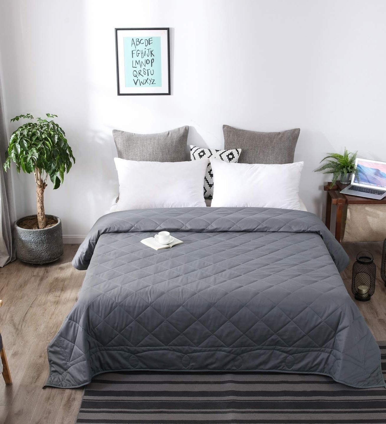 Queen size weighted blanket in gray